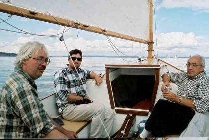 Alan, Roger and James came out for a sail on Wayward Lass. Once again I was able to sit back and enjoy the sail, while others did all the work. (Something happened when I scanned this picture ? this is a mirror image, the boom should be on the other side!)